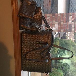 Three piece purse set